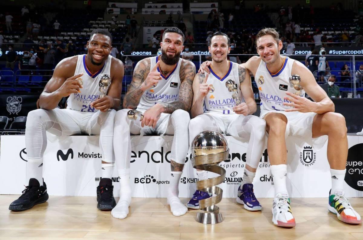 Les Bleus du Real Madrid remportent la Supercopa Endesa