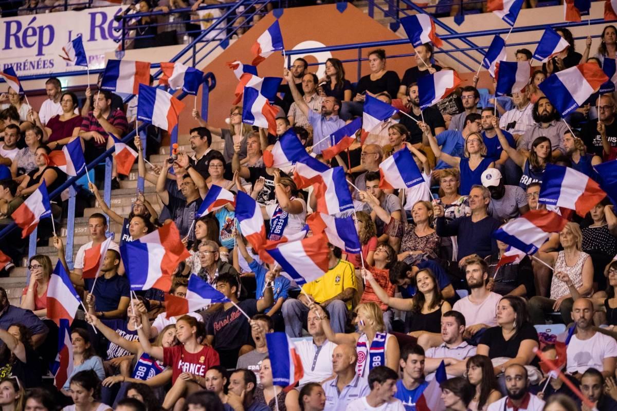 Les Bleus à Pau face au Monténégro